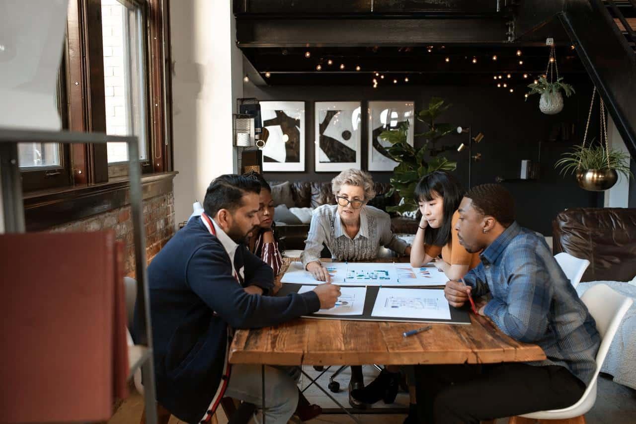 company-meeting-business